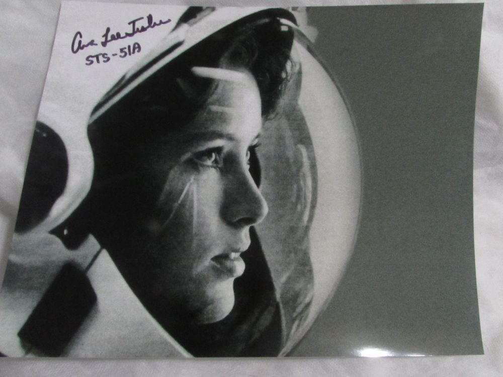 Astronaut Anna Fisher Signed Autograph Nasa Space Shuttle Sts 51 A