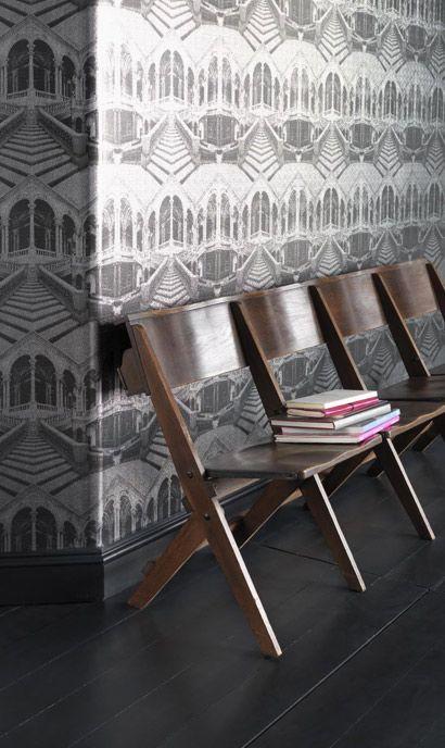 Herrschaftliche Treppe in Schwarz-Weiß als Motiv Tapete Loggia von - retro tapete wohnzimmer