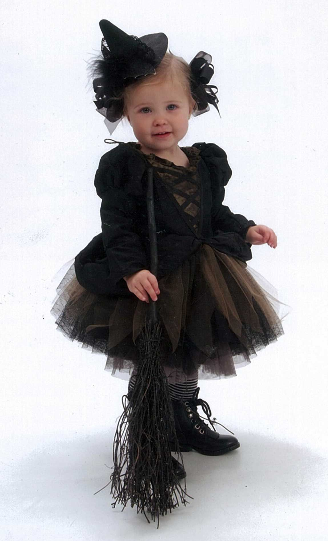 Like the hat and the black bows | Sewing - Dress Up | Pinterest ...