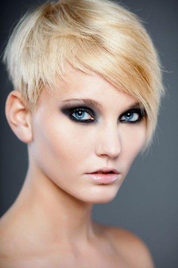 Asymmetrical pixie haircut #blonde