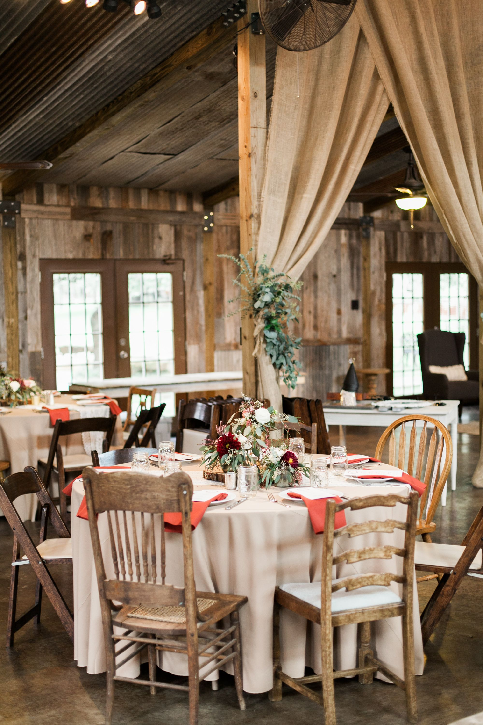 Wedding room decoration ideas 2018  Ethereal Autumn Wedding at Vista West Ranch in   Big Day Ideas