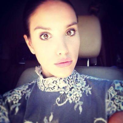 """la Blogger Federica Romani del fashionblog """"Vanilla&Soap"""" veste un abito di pizzo e tafetà Princesse Metropolitaine #vanilla&soap #fashion #blogger"""
