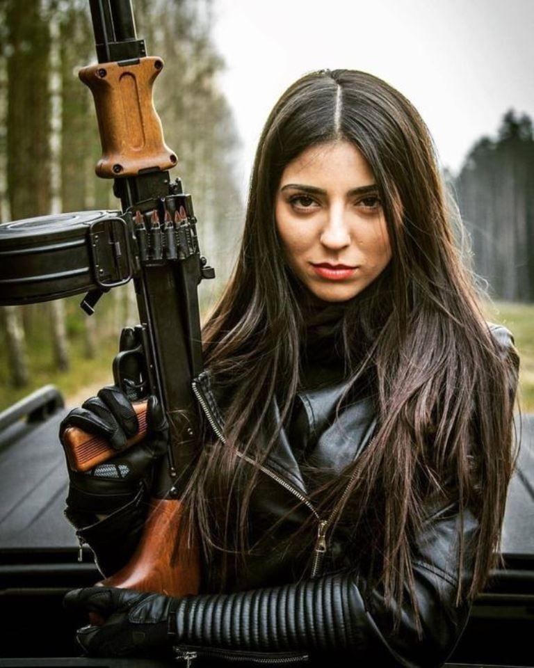 Pin by T Carstens on Girls n guns | Girl guns, Post
