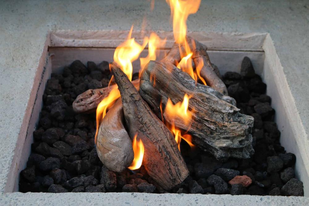 Premium Gas Fire Pit Log Sets In 2020 Fire Pit Logs Natural Gas Fire Pit Gas Fire Pit Insert