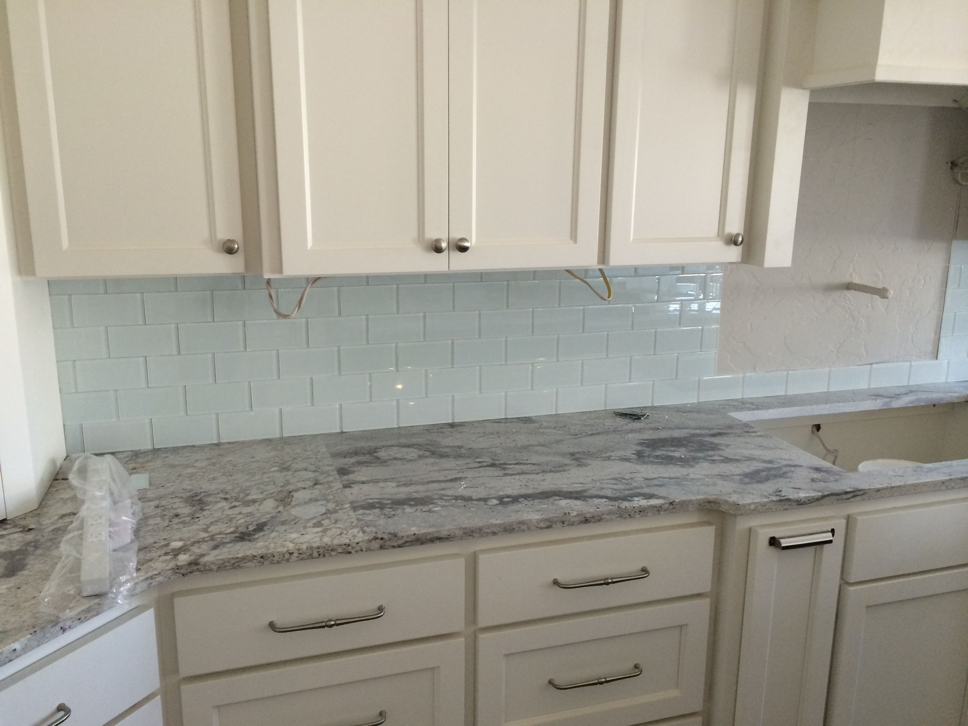 Glass Kitchen Backsplash White Cabinets backsplashes with white cabinets - yahoo image search results