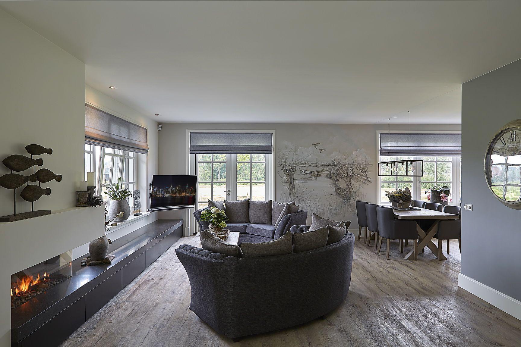 Witte Landelijke Woonkamer : Living woonkamer interieur gashaard muurschildering houten vloer