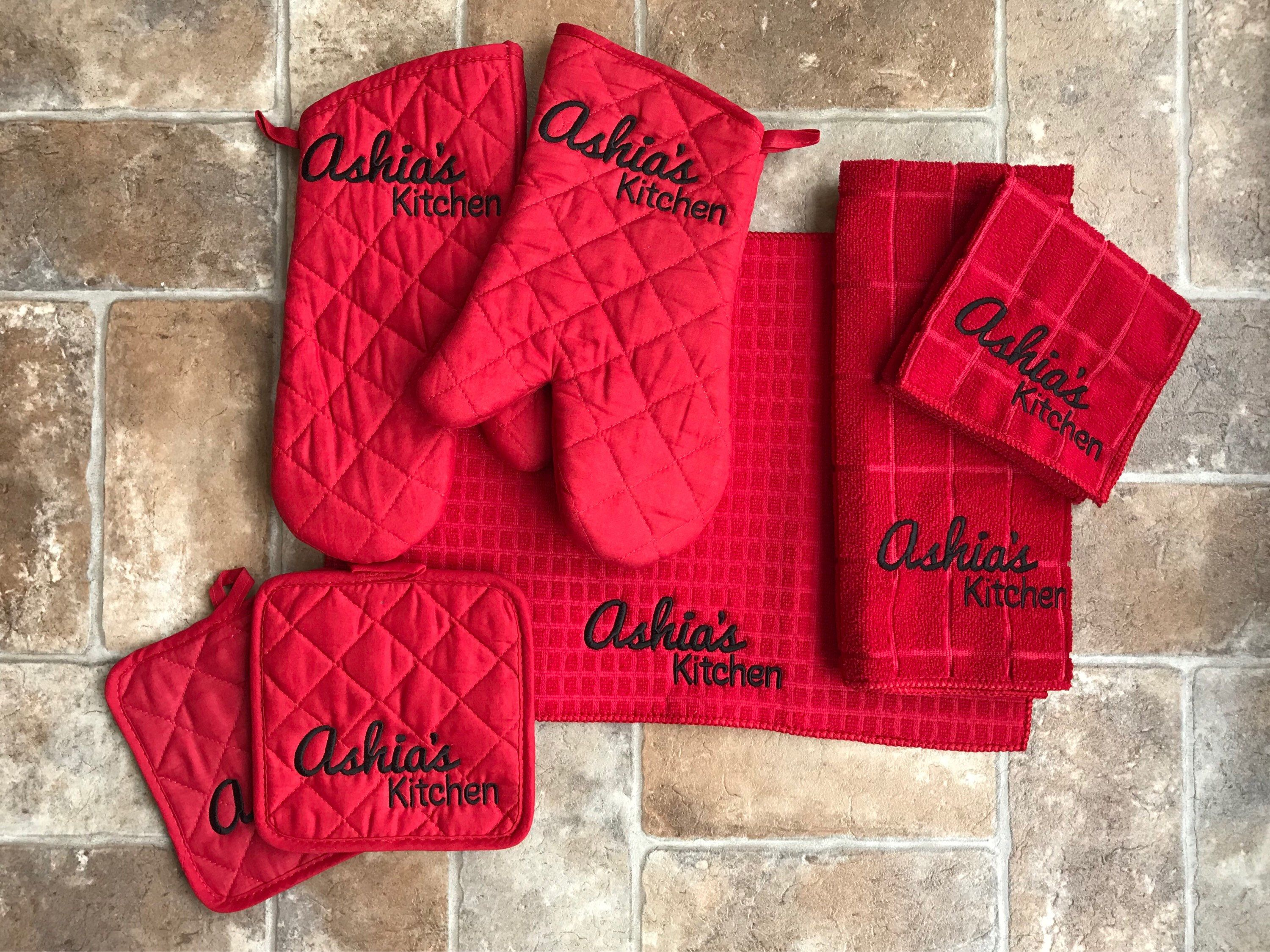 Excited To Share The Latest Addition To My Etsy Shop Kitchen Set 7 Piece Monogrammed Pot Holder Ove Embroidery Kitchen Towels Oven Mitts Gift Custom Towel
