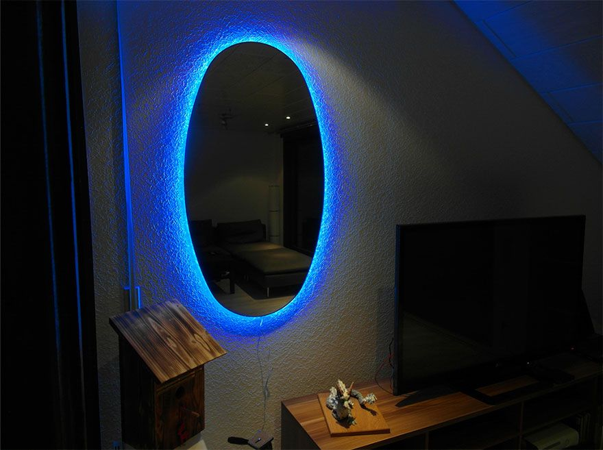 Portal Mirrors Are The Coolest Way To Decorate Your Room Mirror Portal Mirror Decorate Your Room