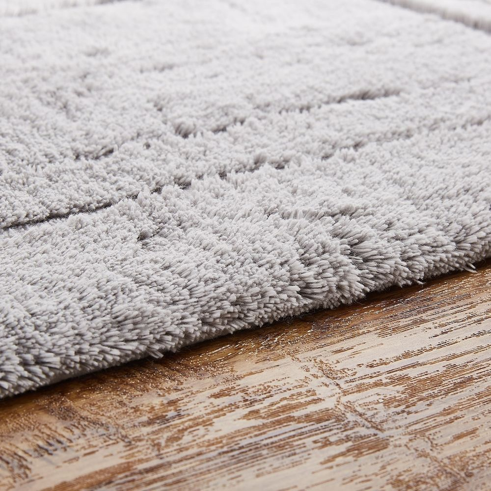 Slip Resistant Latex Grey Cotton Bath Rug With Non Skid Backing 30 X