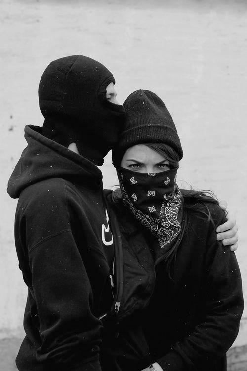 Картинки пары в масках