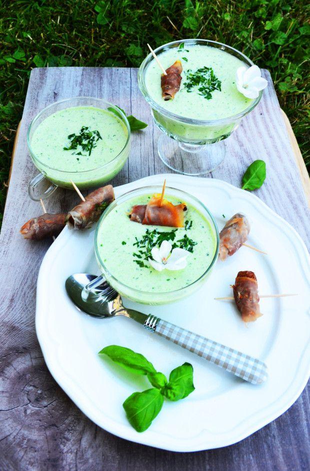 die besten 25 kalte suppe rezept ideen auf pinterest kalte suppen kochen kalte suppen gesund. Black Bedroom Furniture Sets. Home Design Ideas