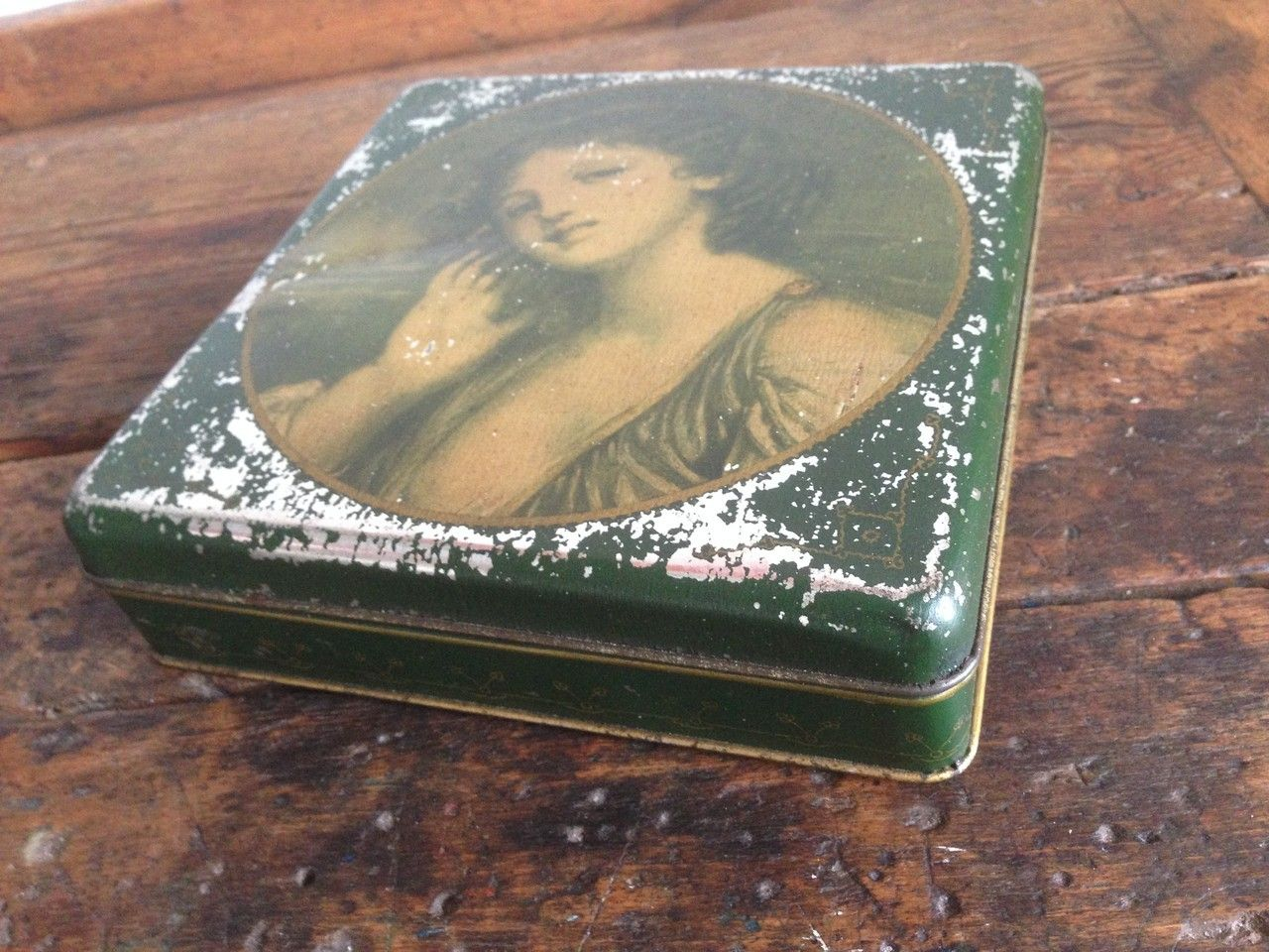 #vintage #box #scatole #latta #anni50 #anni60 #anni70 #50s #60s #70s #dextervintage www.dextervintage.com