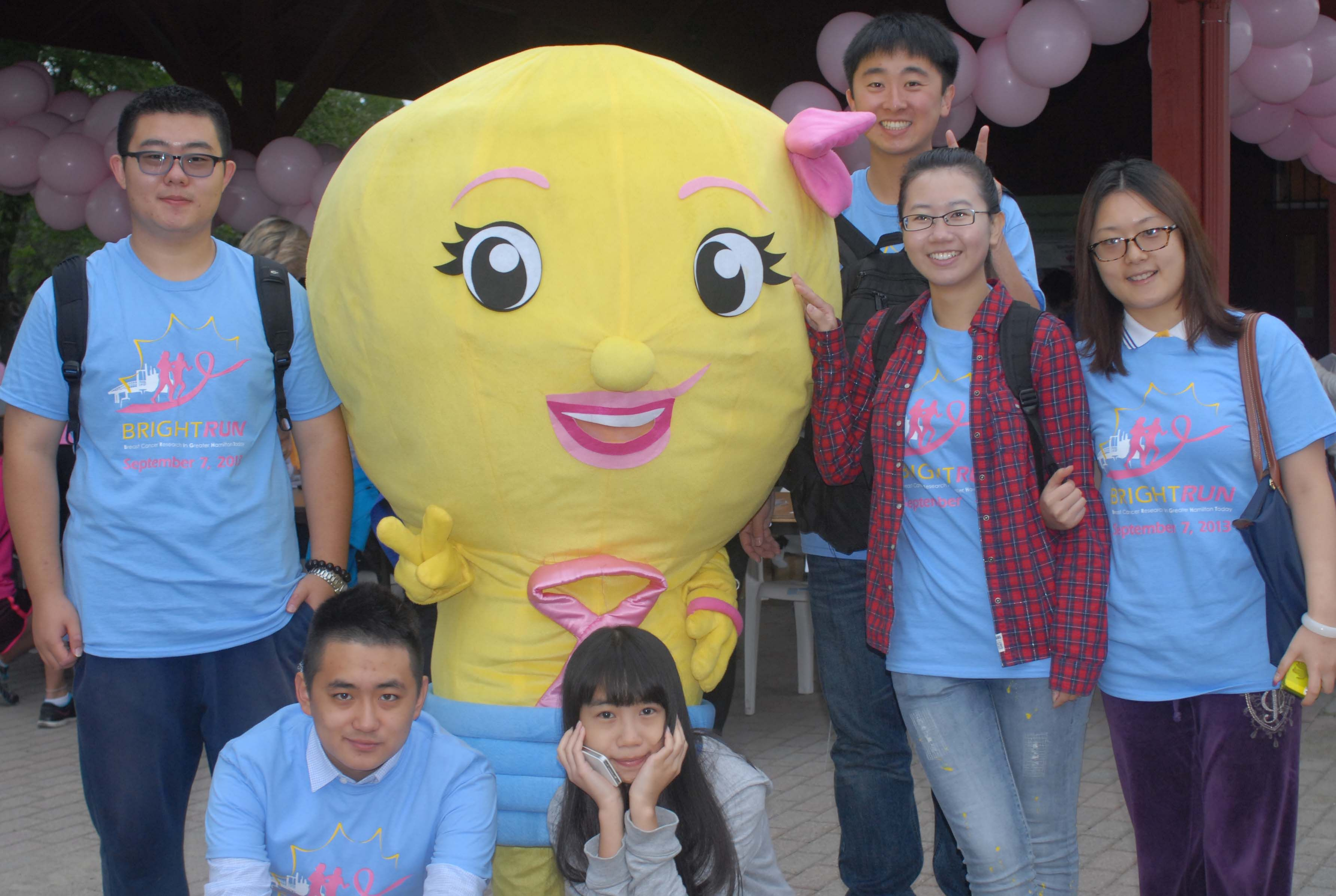 Bright Betty with her fellow volunteers.  #BrightRun