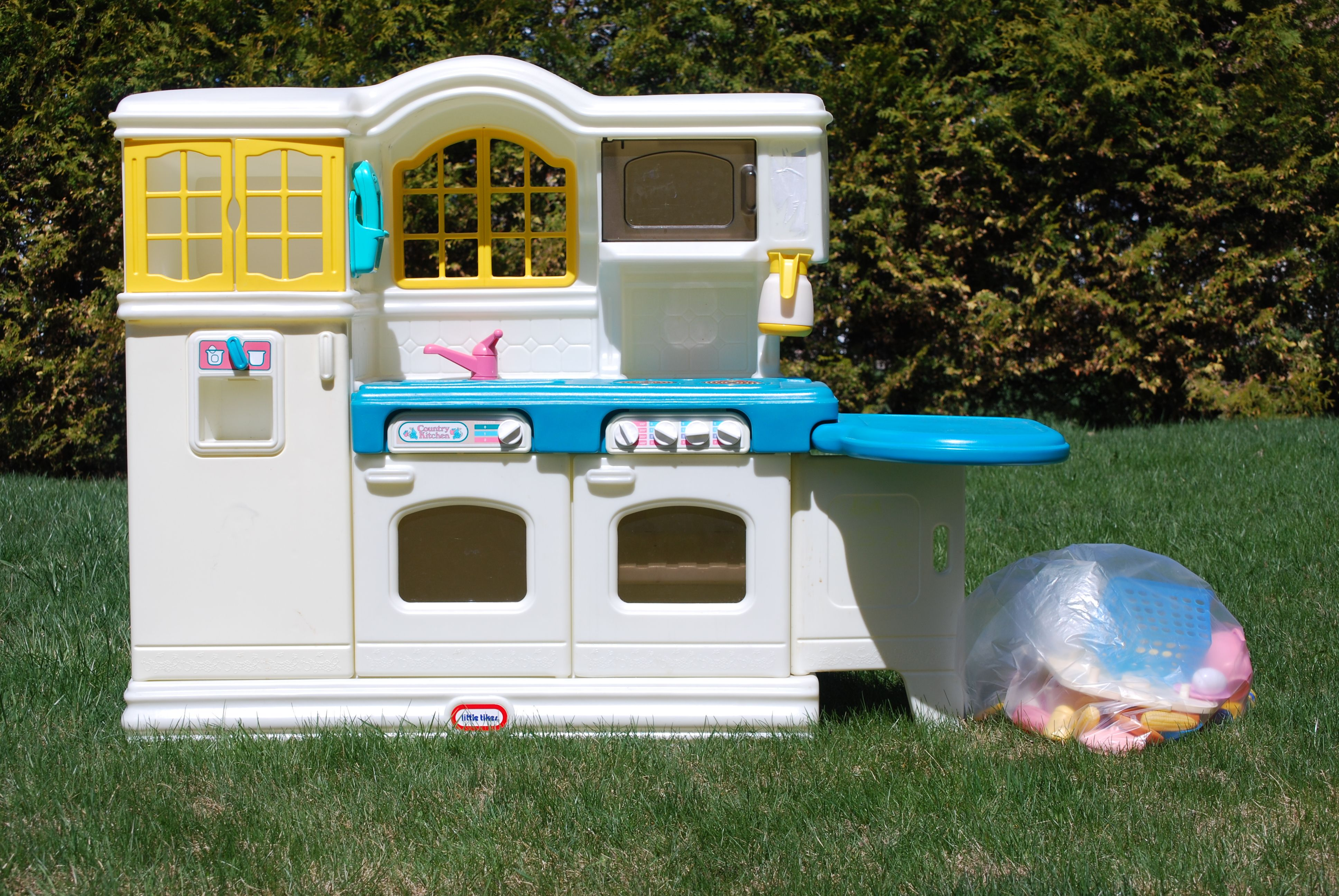 This Is The Exact Kitchen I M Looking For Little Tikes Fun Diys Playset