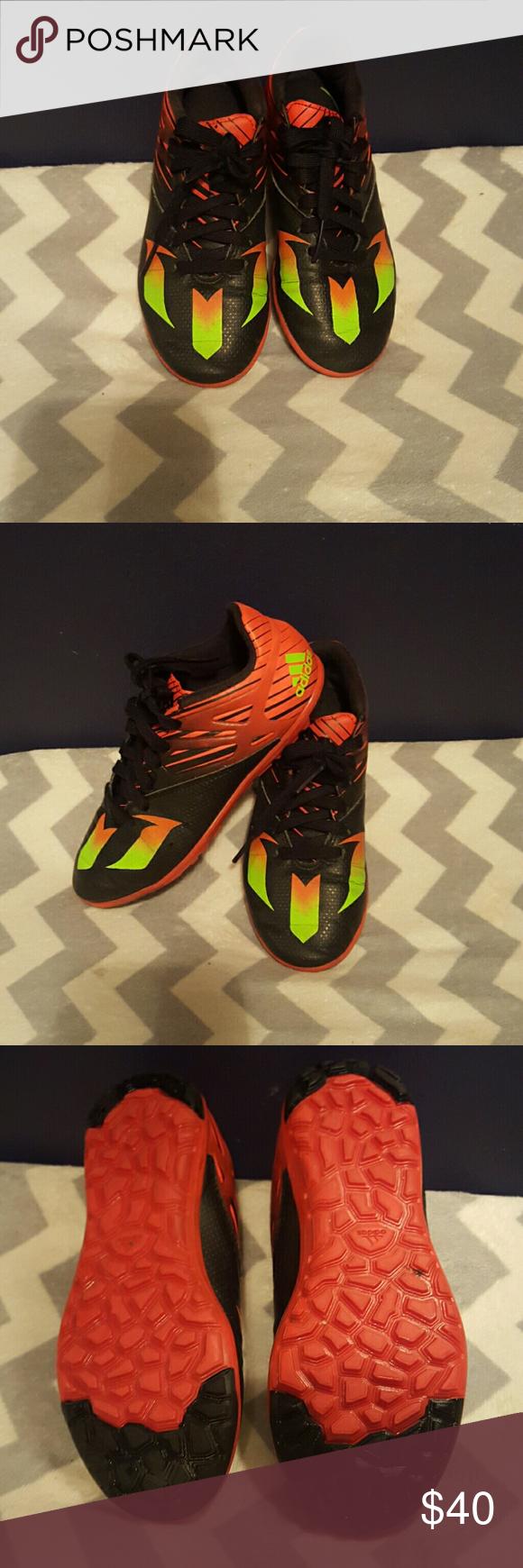 Adidas Youth Messi indoor soccer zapatos Youth tamaño Indoor Soccer