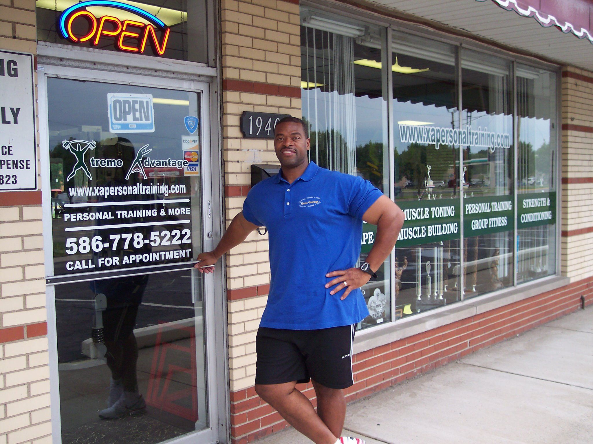 Xtreme Advantage S Owner Harold Irby Is A Mr Michigan Bodybuilding Champion With Many State Titles A Personal Training Studio Personal Training Bodybuilding