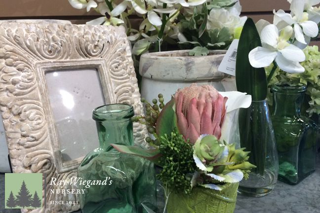We have some beautiful Spring decor in this season!