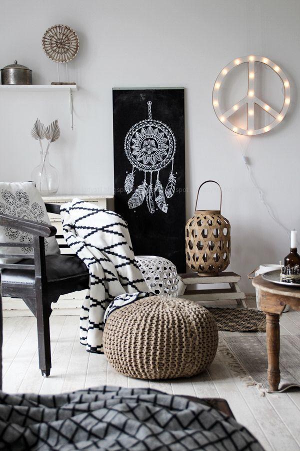 DIY Dreamcatcher Traumfänger mit Kreidestift auf eine Tafelwand - wohnzimmer dekorieren schwarz