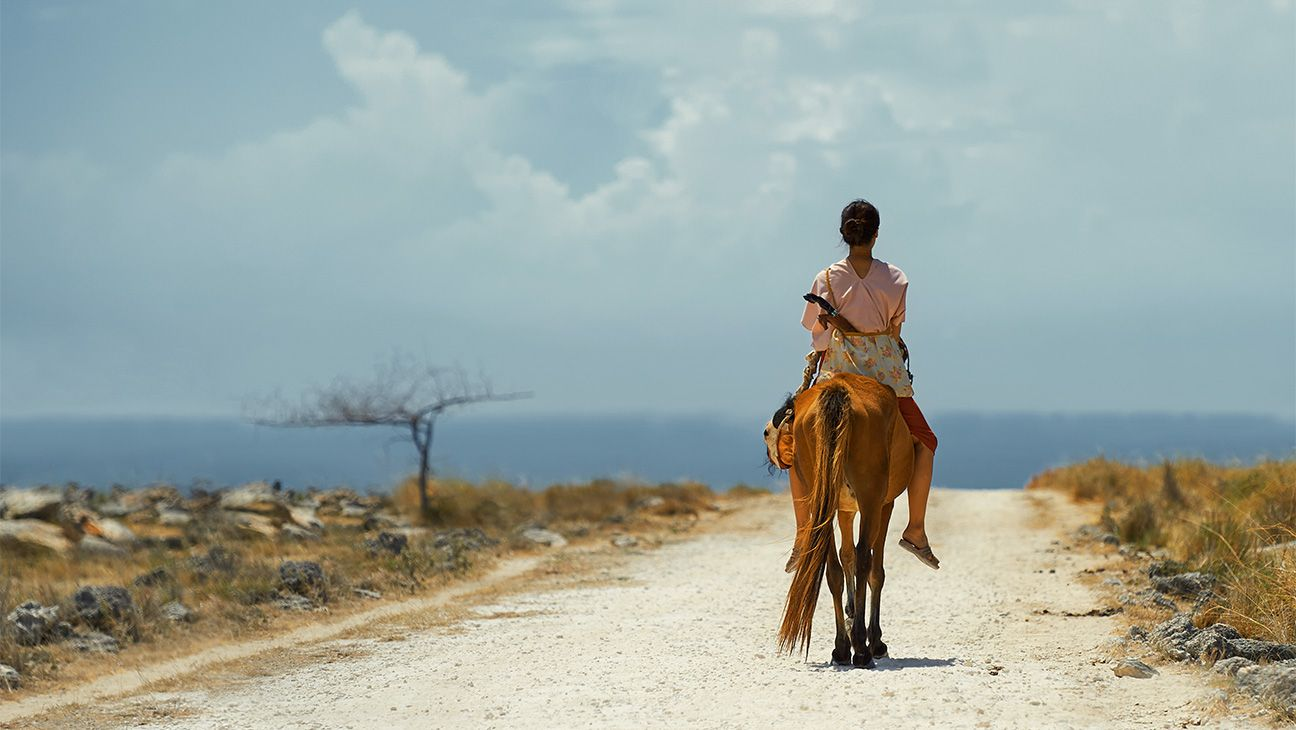 'Marlina the Murderer in Four Acts' ('Marlina si Pembunuh dalam Empat Babak'): Film Review | Cannes 2017 #FansnStars