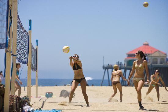 Watch Sand Volleyball Tournament In Huntington Beach Ca Hwy 101 Trip Spring Break Getaways Huntington Beach Pier Trip Advisor