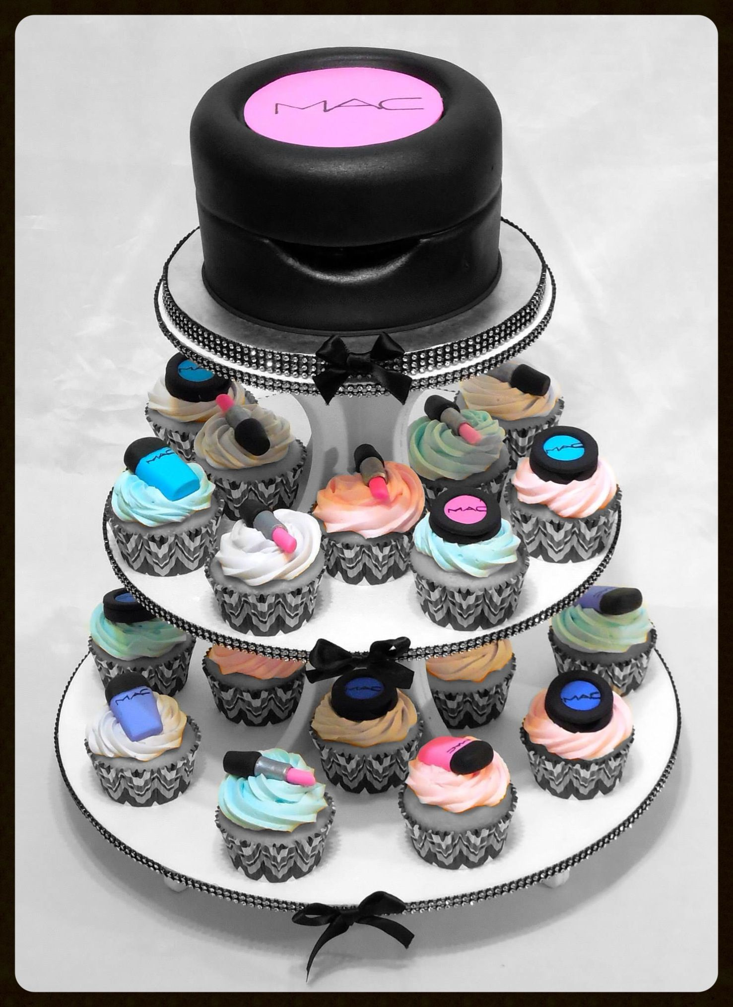 MAC makeup cupcake tower Makeup cupcakes, Make up cake