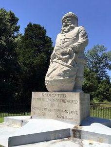 Santa Claus Indiana World S Oldest Santa Statue Santa Statues