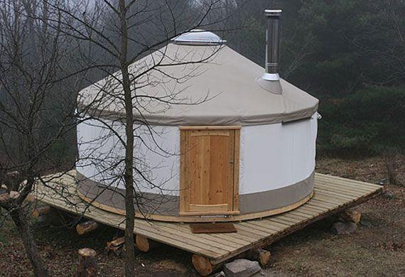 modern yurt - square platform @Meisha Hiltz