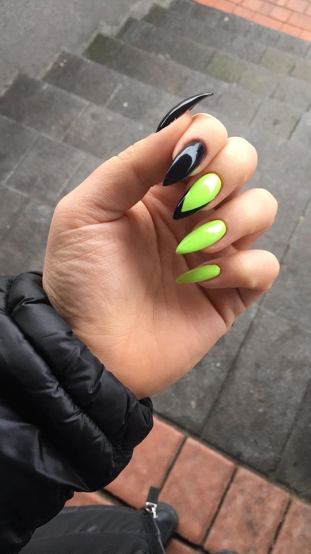 Since you liked my last green witchy nails, i thou