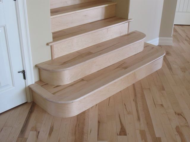 Genial Maple Stairs