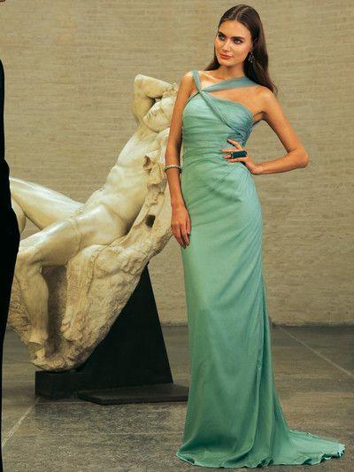 burda style, Schnittmuster - Meergrünes Korsagenkleid aus Kreppsatin und angerafftem Seidentüll. Nr. 129 aus 12-2011. Foto: Chris Farley