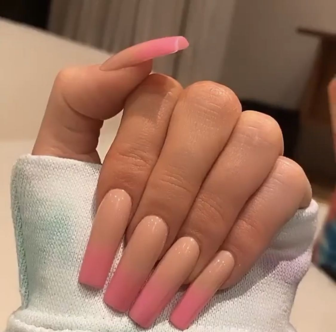 Pink Ombre Nails In 2020 Pink Ombre Nails Kardashian Nails Kylie Jenner Nails