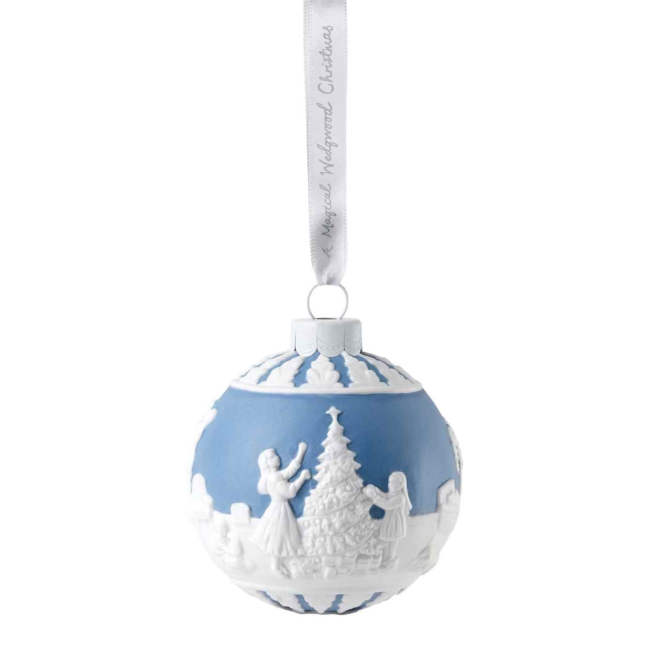 Christmas 2020 Dressing The Tree Bauble Ornament Wedgwood In 2020 Christmas Ornaments Christmas Tree Baubles Christmas Tree Decorations