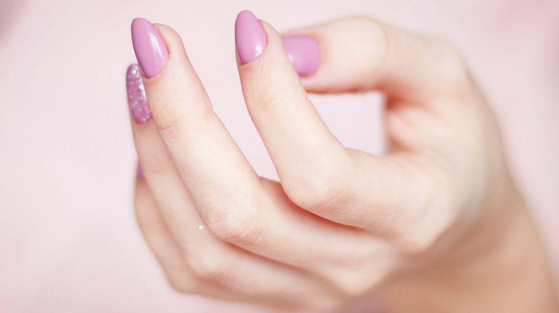 So pflegen Sie Ihre Nägel richtig | Makeup Tutorials