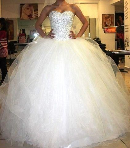 Love How Sparkly And Poofy This Wedding Dress Is Poofy Wedding
