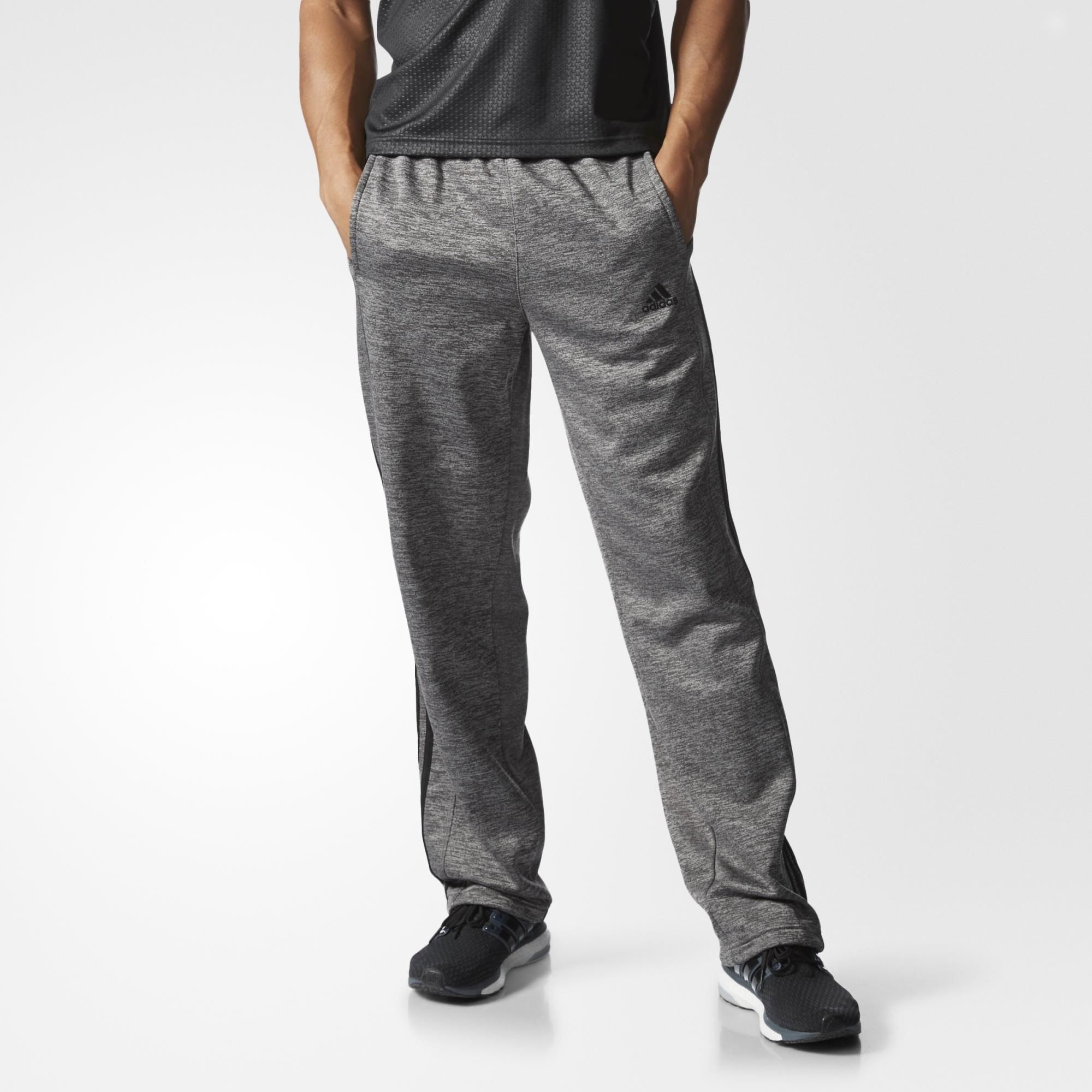 These men's pants get between you and the cold. Made with breathable climawarm™ that insulates without overheating for winter training.