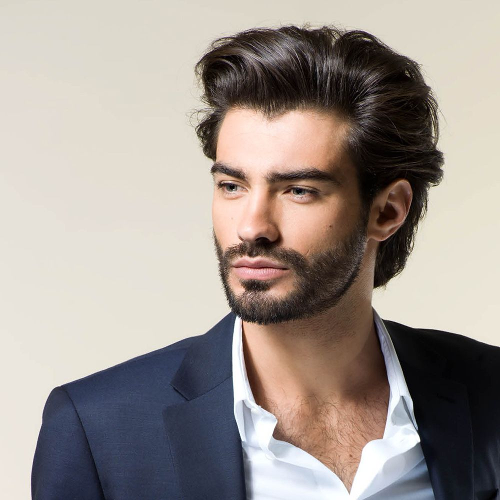 Homme Brun Cheveux En Arriere Mi Longs Lisses Coiffure Homme Coupe Cheveux Homme Cheveux Mi Long Homme