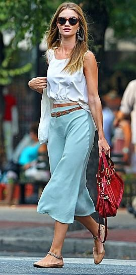 Sea-green cropped pants for spring/summer wear