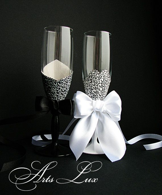 Champagne wedding glasses Bride and Groom Black and white