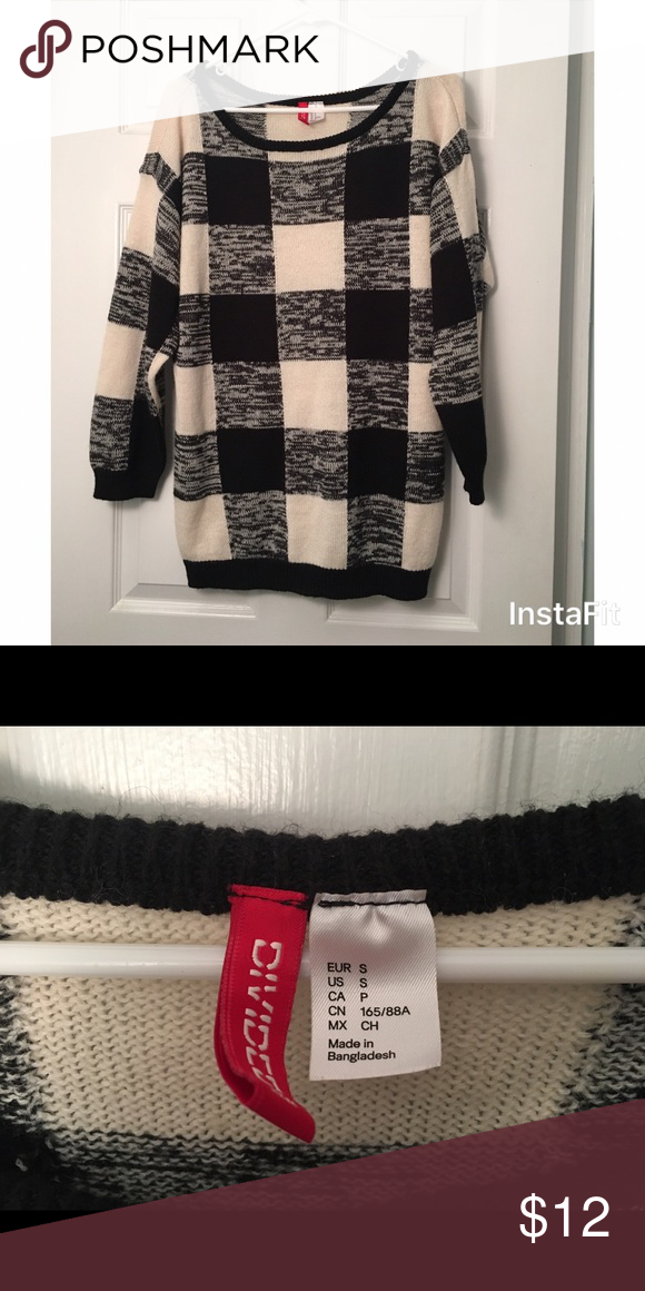 Black and white checkered oversized sweater Black and white