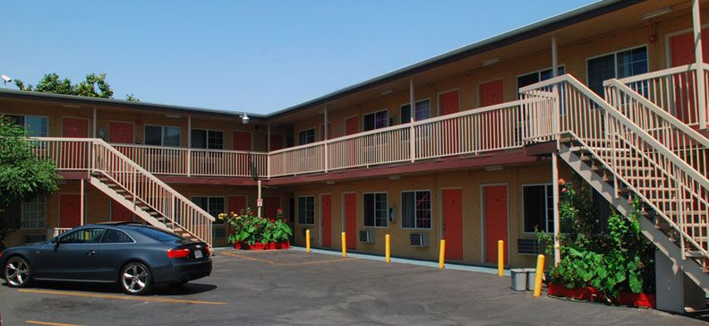 Accommodations In Pasadena Ca Lincoln Motel