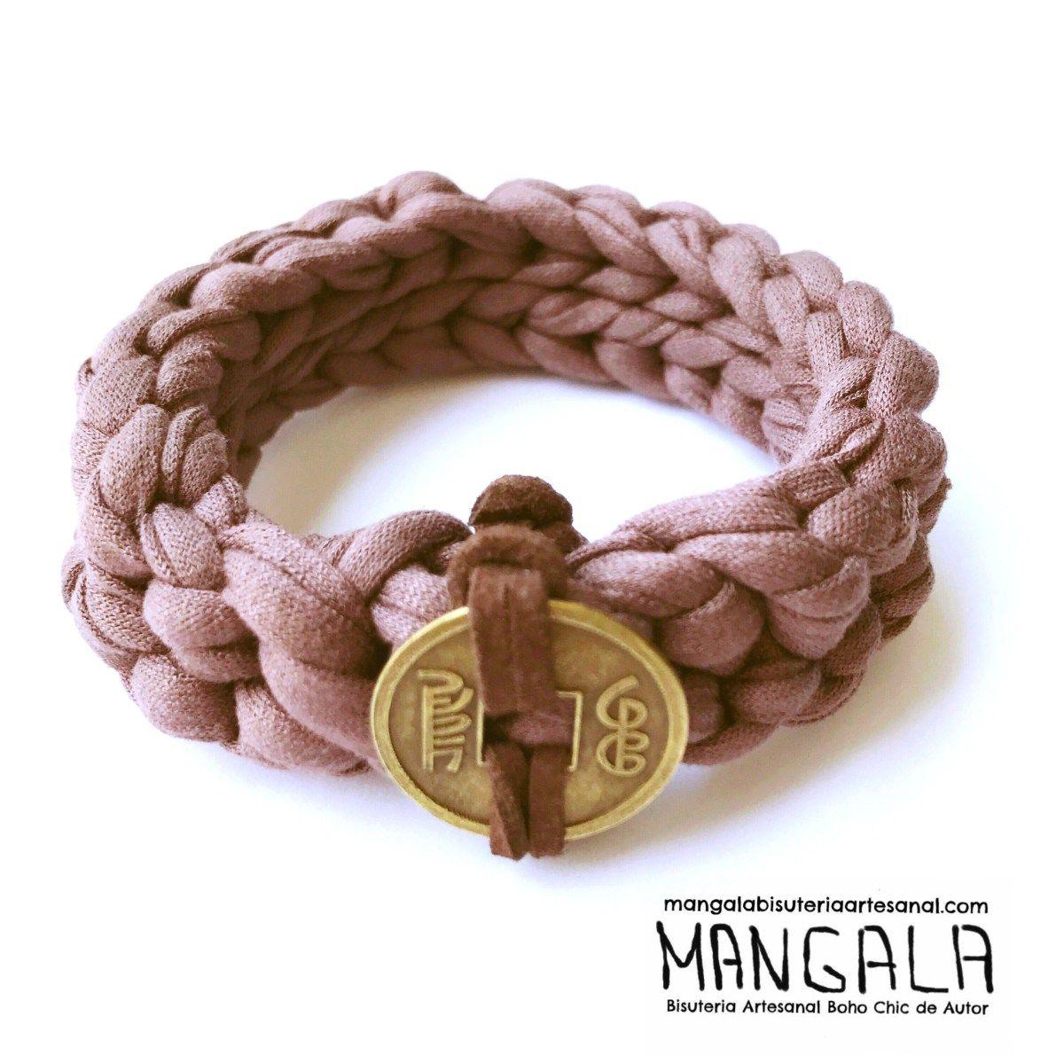 Pulsera artesanal boho chic trapillo crochet
