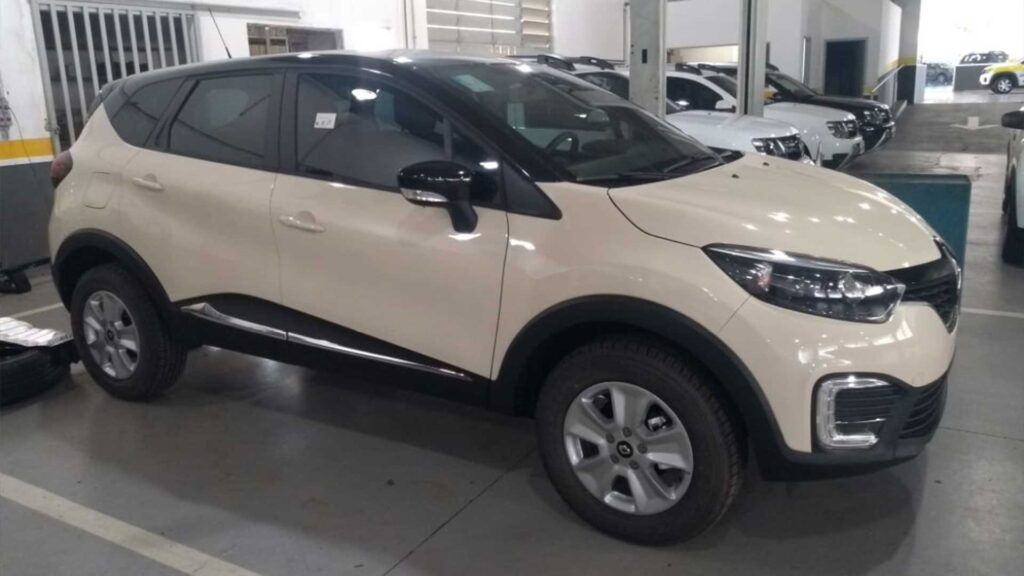 Renault Captur Pcd Life Tem Taxa 0 E Pintura Biton Gratis Em 2020 Suv Suv Compacto Rodas Aro 16