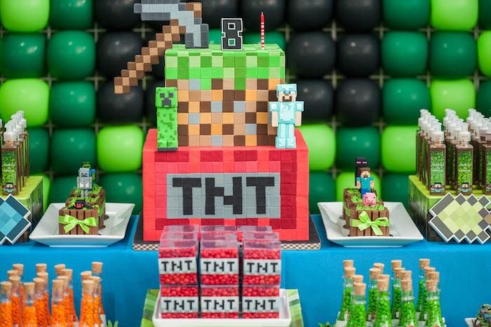 Minecraft Schlafzimmer ~ Cake from a minecraft birthday party via kara s party ideas
