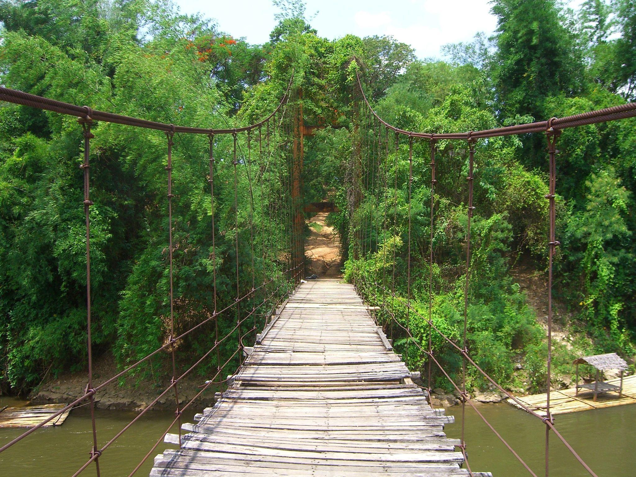 De #RiverKwai in #Kanchanaburi. Een mooi stukje natuur in Centraal-Thailand! #thailand #travelsmartnl