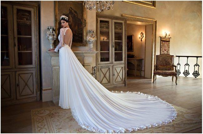 berta bridal 2015 collection - www.theweddingblog.be #bertabridal #bridal #couture #glamour #fashion #lace #style