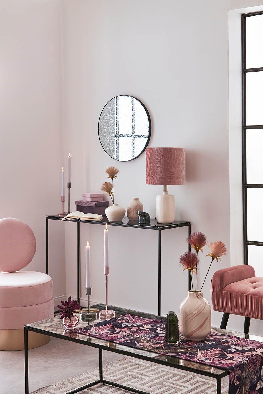 Ein Traum in Rosa - Wohnidee mit einer Konsole und einem runden