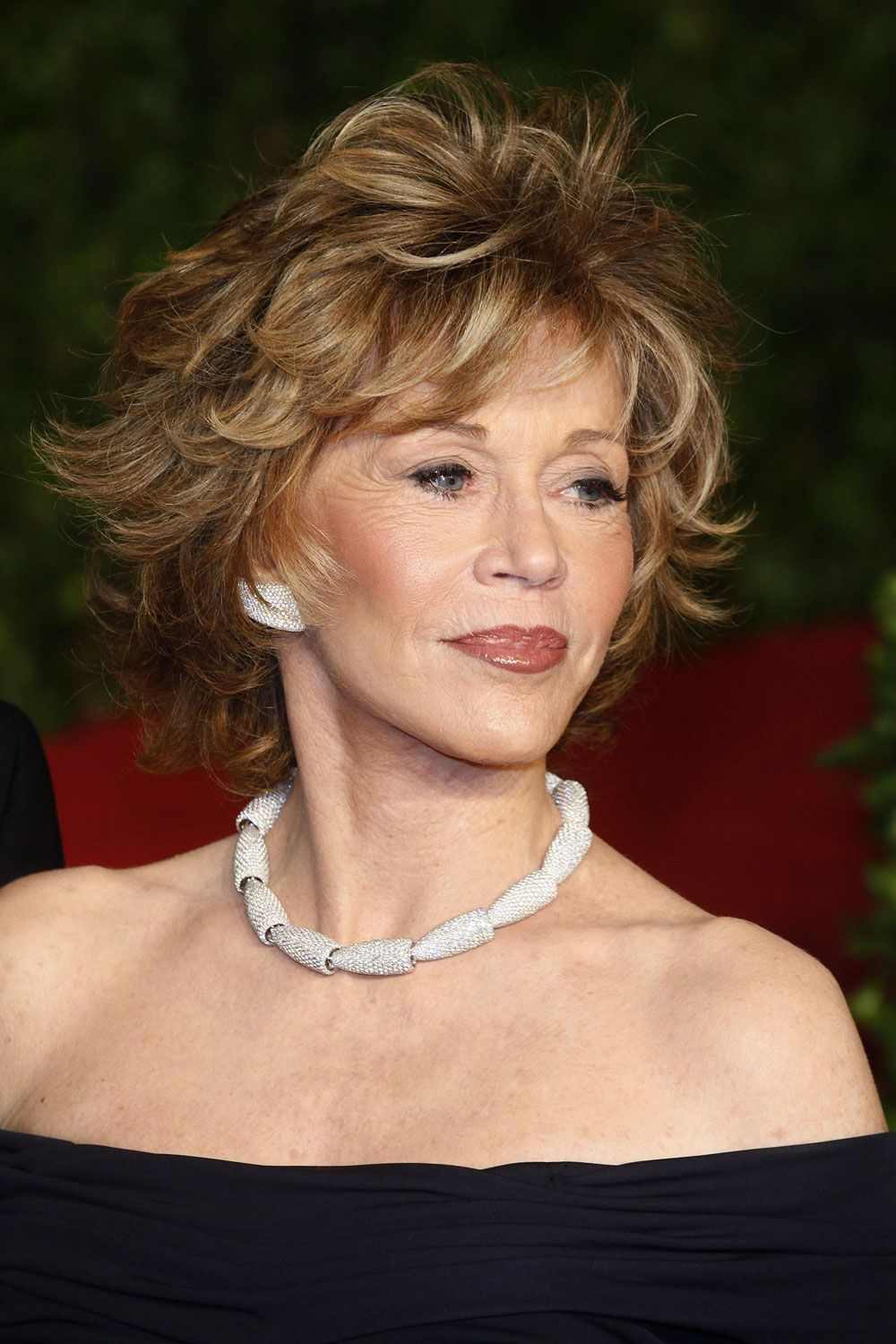 Hairstyles For Women Over 50 With Thick Hair Glamorous