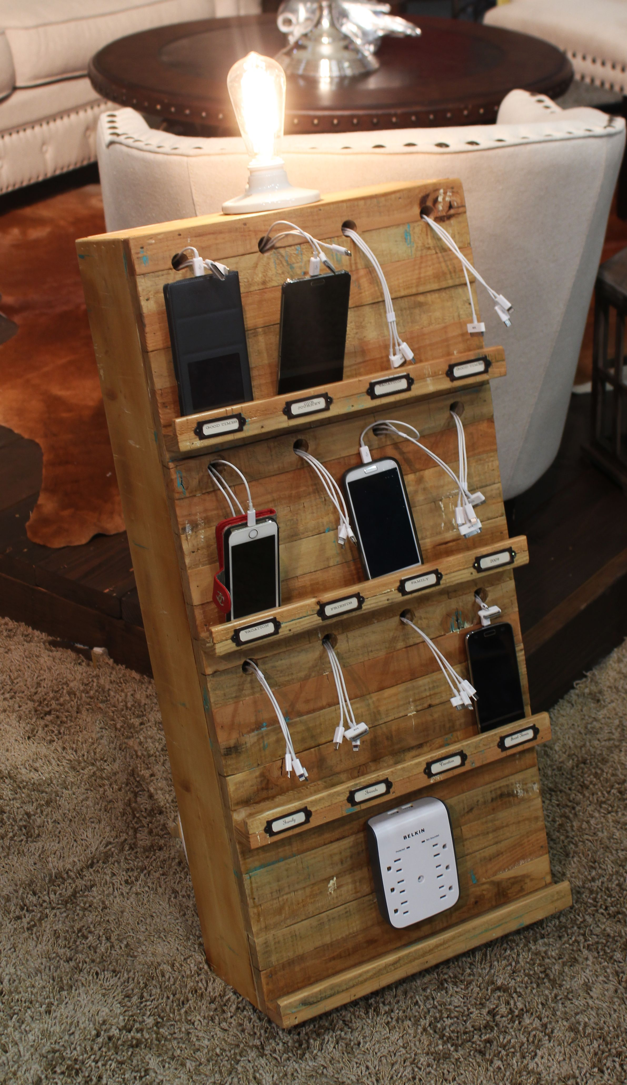 Edison 12 Port Charging Station Town & Country Event