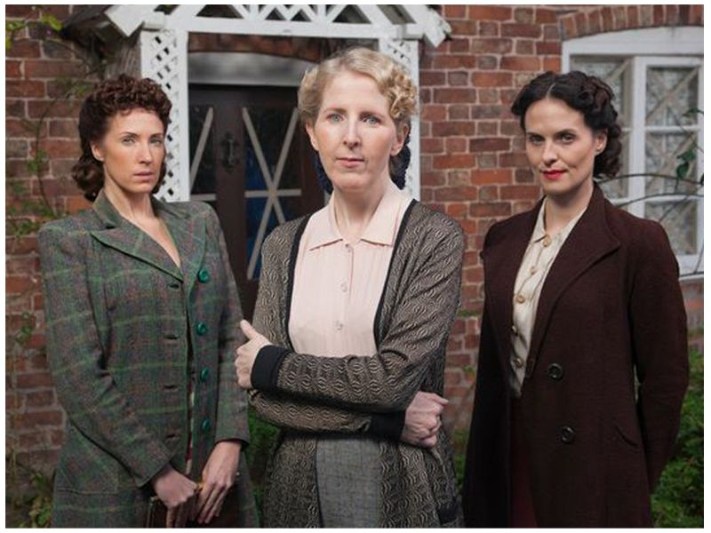 Home Fires   Left to Right   Connie Ward, Alison Scotlock