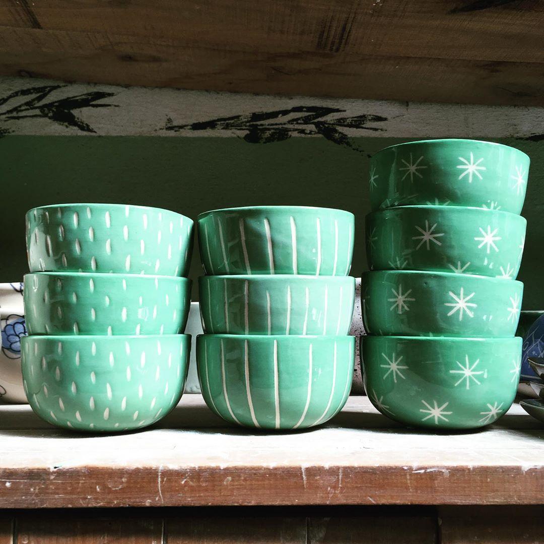 """Handmade Ceramics on Instagram: """"Estos cuencos se van para @velaselacantilado! � . Que lindos van a quedar cuando sean velitas �� . . . #chiaceramicas #velas…"""""""